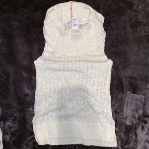 ❗️NWT❗️Woven Heart Sleeveless Sweater Top